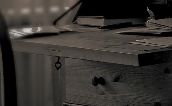 Der Charme alter Möbel